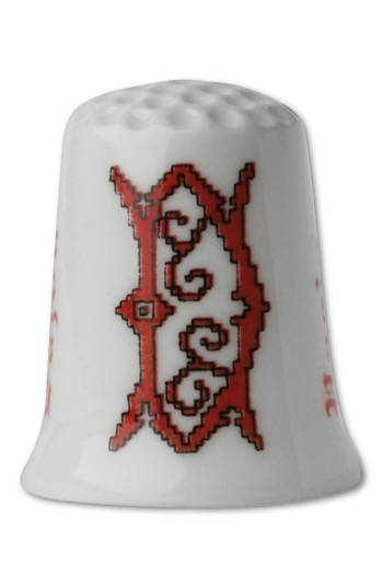 Collectors thimble imitating red crosstich Letter D
