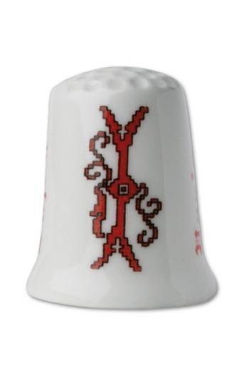 Collectors thimble imitating red crosstich Letter I