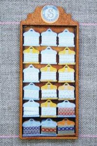 Sajou Doll's Haberdashery Display case 18 cards  Guipure and Lace n°1