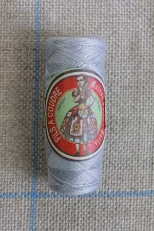 Polyester sewing thread Sajou cocoon colour 414 Grey