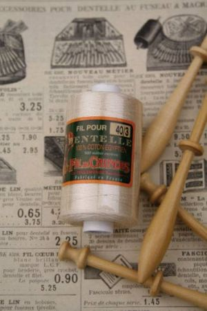Ecru Lace thread reel - Size 40/3