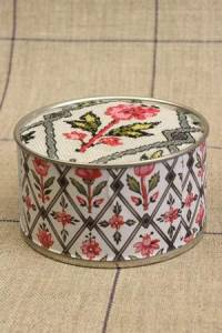 Cross stitch kit motif Jouy Marly box
