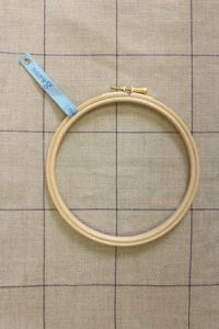 Wooden embroidery hoop - Size 15 cm