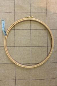 Wooden embroidery hoop - Size 20 cm