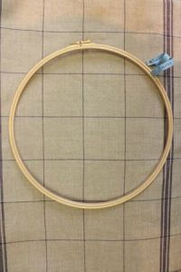 Wooden embroidery hoop - Size 25 cm