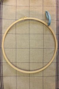 Wooden embroidery hoop - Size 30 cm