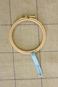 Wooden embroidery hoop - Size 10 cm