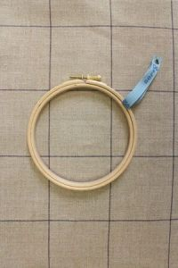 Wooden embroidery hoop - Size 12 cm