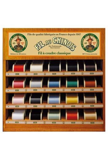 Fil Au Chinois thread display with 20 wooden spools