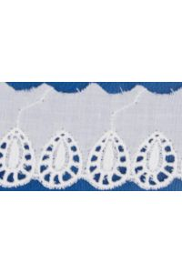 Broderie anglaise card model n°12