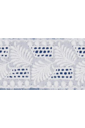 Broderie anglaise card model n°09