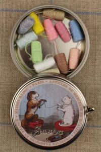 Sajou cat and dog round metal tin with 12 pastel tones thread cocoons