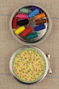Sajou Breteuil round metal tin with 12 bright tones thread cocoons