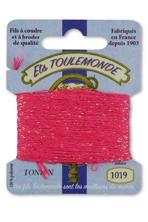 Tonkin embroidery thread polyester / gold lurex strand 1019 - Bright Pink