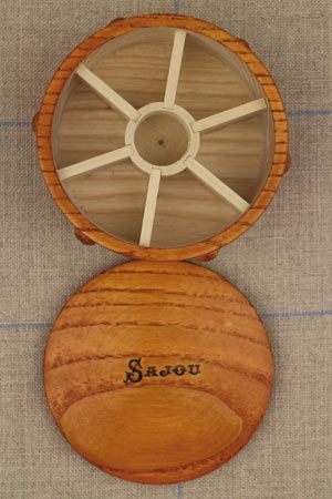 Wooden round box for miniature bobbins