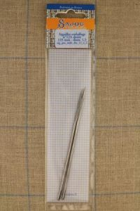 Two Sajou packing needles N°12, length 135mm, diametre 1.5mm