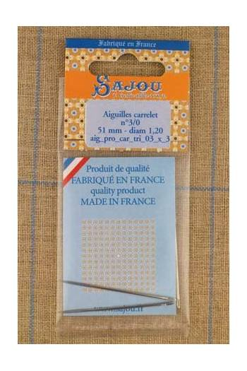 Three Sajou needles with triangular point n°3/0 for leather work, length 51mm, diametre 1.2mm.
