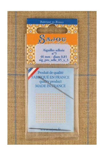 Three saddlery Sajou needles n°5, length 46mm, diametre 0.85mm.