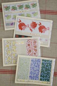 Red Sajou album n°904 : 11 flowered borders to embroider in cross stitch