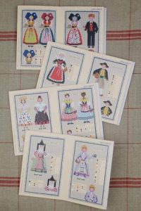 Red Sajou album n°913 : French traditional costumes