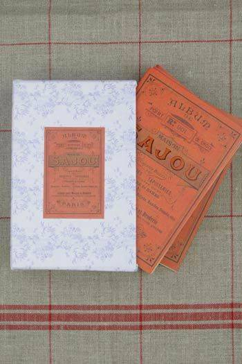 Sajou red Album Boxed set containing n°908 to n°914