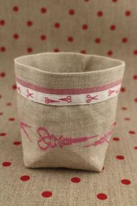 Cross stitch embroidery kit - Pink scissors linen pot