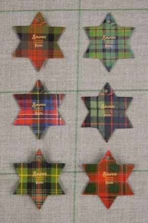 Six Sajou thread cards Fécamp model Tartan motifs