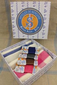Gift box with four tea towels grey pink blue brown