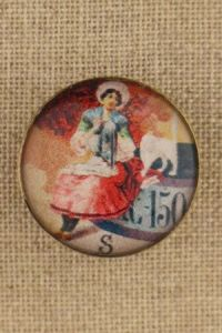 Sajou couture button - Norman lady with her cat