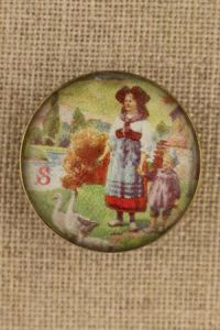 Sajou couture button - Alsacian goose girl