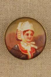 Brittany - Costumes vintage-style button