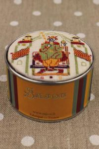 Sajou cross stitch kit the Coronation of Harold from the Bayeux embroidery