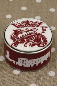Box to embroider in cross stitch François I off-white Tonkin
