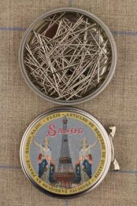 Sajou Eiffel Tower round box with dressmakers' steel fine n°5 pins