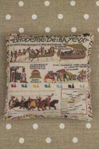Kit couture petit coussin grille Broderie de Bayeux