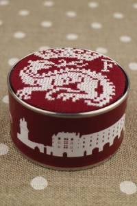 Sajou cross stitch kit: François I cherry box to embroider with Retors du Nord