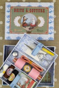 Complete sewing set Small model - Cat and Dog
