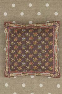 Small Sajou Queen's Tapestry fabric cushion to sew
