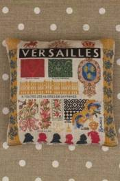 Versailles pattern small cushion sewing kit