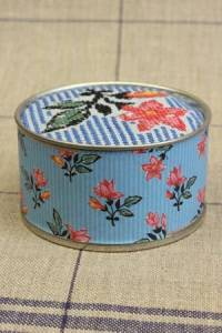Sajou cross stitch kit Dampierre motif round box