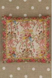 Queen's Bedchamber pattern small cushion sewing kit