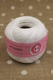 Knitting and crochet yarn size 8/2 colour white