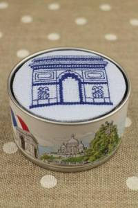 Cross stitch kit Sajou box to embroider Arc de Triomphe blue