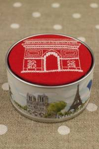 Cross stitch kit Sajou box to embroider Arc de Triomphe red