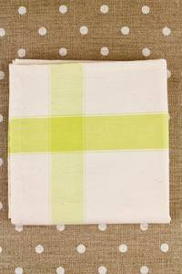 Tea towel to embroider with 6.5 aïda ecru/lime