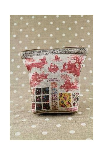 Front of Sajou Toile de Jouy small linen pouch with plum-coloured lining