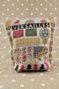Front of Sajou Versailles small linen pouch blue lining