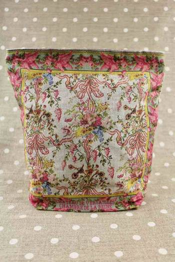 Front of Sajou Queen's Bedroom large linen pouch old rose lining