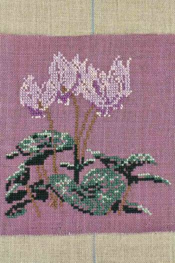 Embroidered cyclamen from the Château in Breteuil
