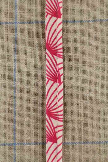 2mm cord cotton piping with Sajou Plaisirs de la campagne pink coordinate 1 fabric